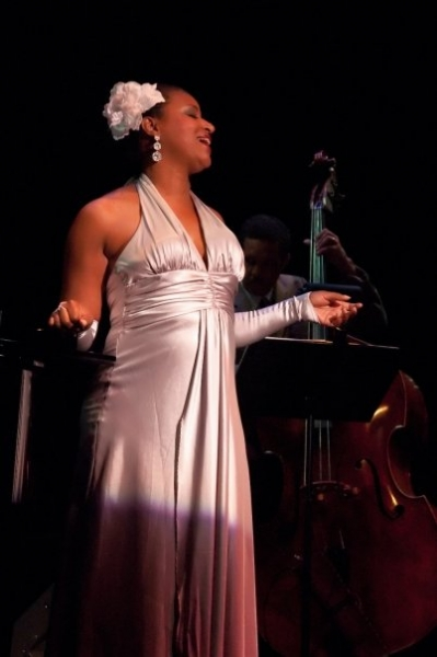 """Vanessa Rubin as Billie Holiday in """"Yesterdays, An Evening with Billie Holiday-Hartford Stage"""